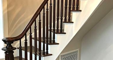 Лестница из дерева на 2 этаж дома