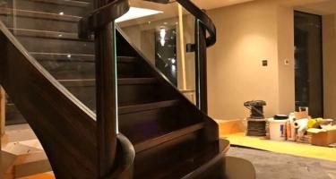 Лестница из массива бука на заказ