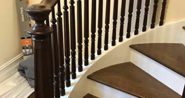 Винтовая лестница из дерева на 2 этаж