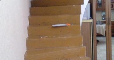 фото отделки лестницы из бетона деревом до Краснодар