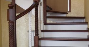 фото установки лестниц в частных домах