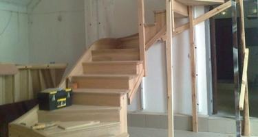 фото установки лестниц в частных домах цена