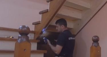 поворотная П-образная лестница
