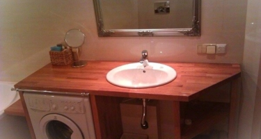 Деревянная столешница в ванную на заказ в Краснодаре