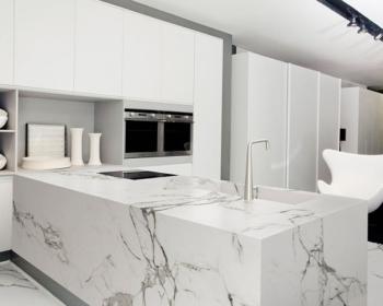 рабочая поверхность на кухню из мрамора
