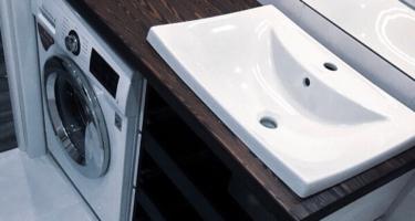 деревянная столешница в ванной фото