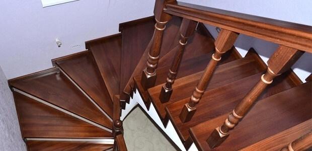 купить деревянную лестницу на второй этаж дома в Краснодаре