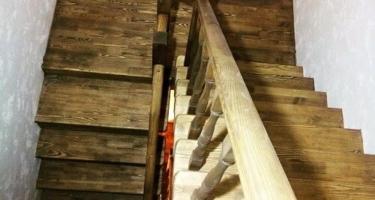 Лестница деревянная с площадкой цена от 128 т.р.