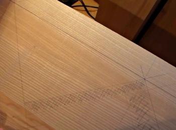 разметка прямой деревянной лестницы