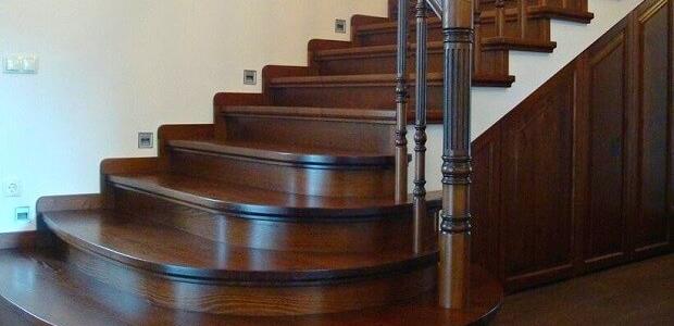 цена обшивки бетонной лестницы деревом в Краснодаре