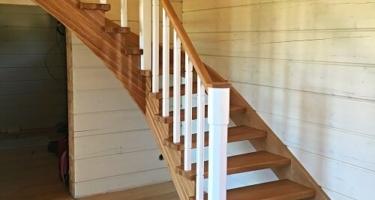 деревянная лестница с забежными ступенями цена