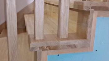 Балясины на металлической лестнице из дуба
