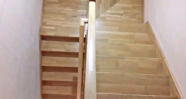 Лестница из дуба на металлокаркасе на заказ