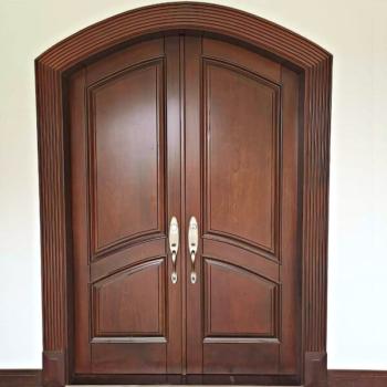 Арочные двери из массива в Краснодаре на заказ