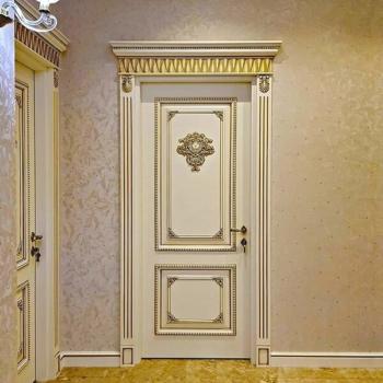 Двери из массива патина