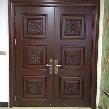 Глухие двери из массива на заказ в Краснодаре