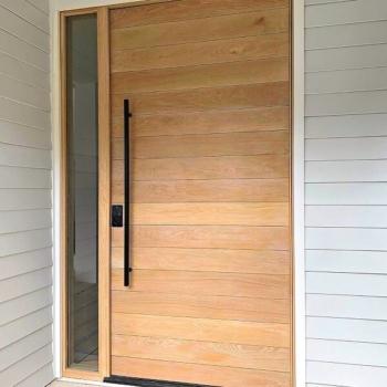 Современные двери из массива на заказ