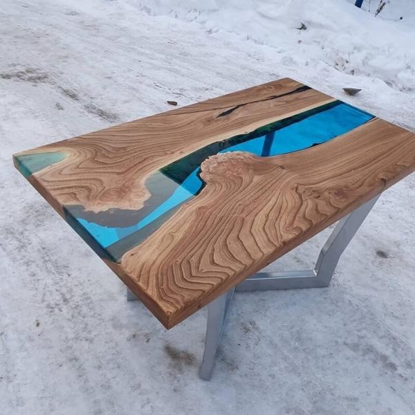 Фото стол река из эпоксидной смолы арт. СКР002